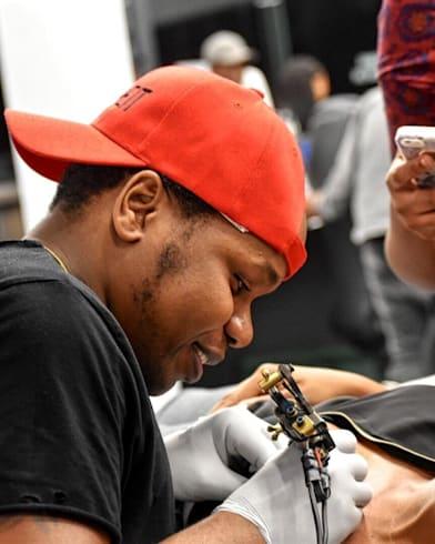 Tetovacie štúdio v Južnej Afrike mení životy neuveriteľným spôsobom
