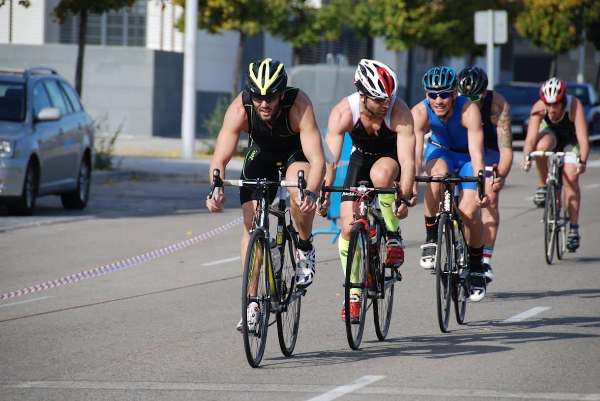 """Andar de bicicleta é outra forma de dizer """"chega"""" ao acúmular de gordura"""