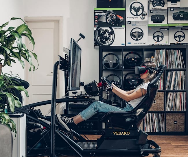 How does your gaming rig compare to SimRacingGirl's?