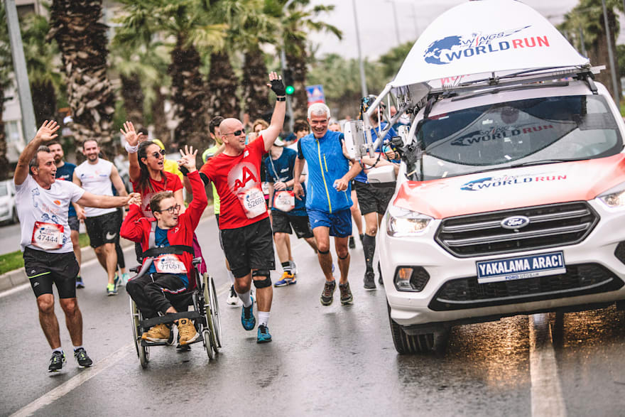 Přidej se ke všem, co na Wings for Life World Run chytne tzv. Catcher Car