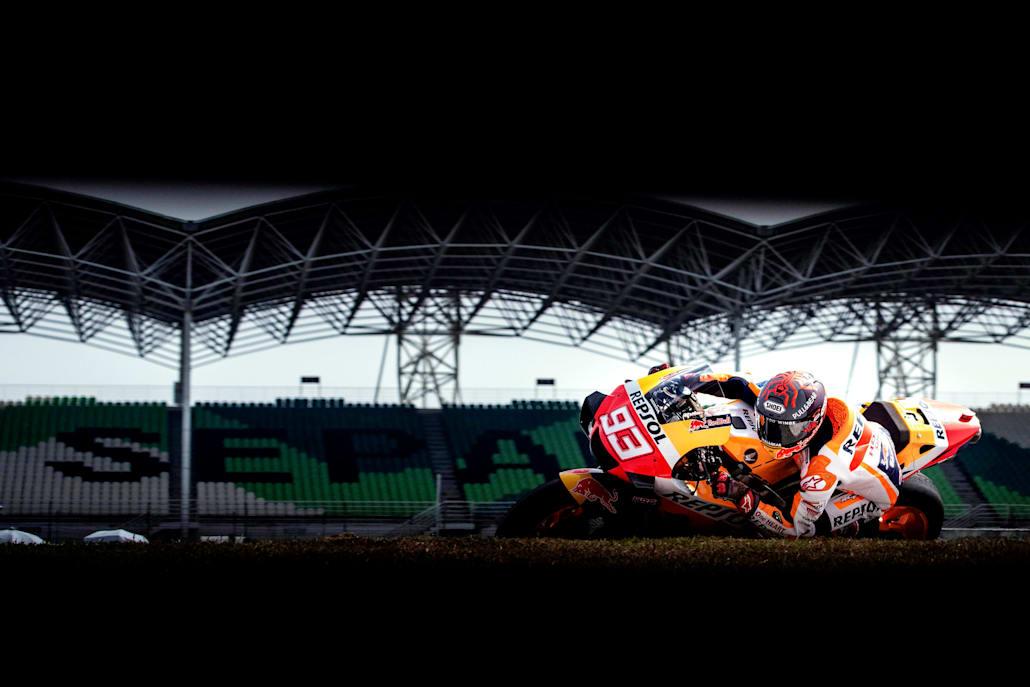 Ο Márquez πάιρνει μια απότομη στροφή στο pre-season του MotoGP