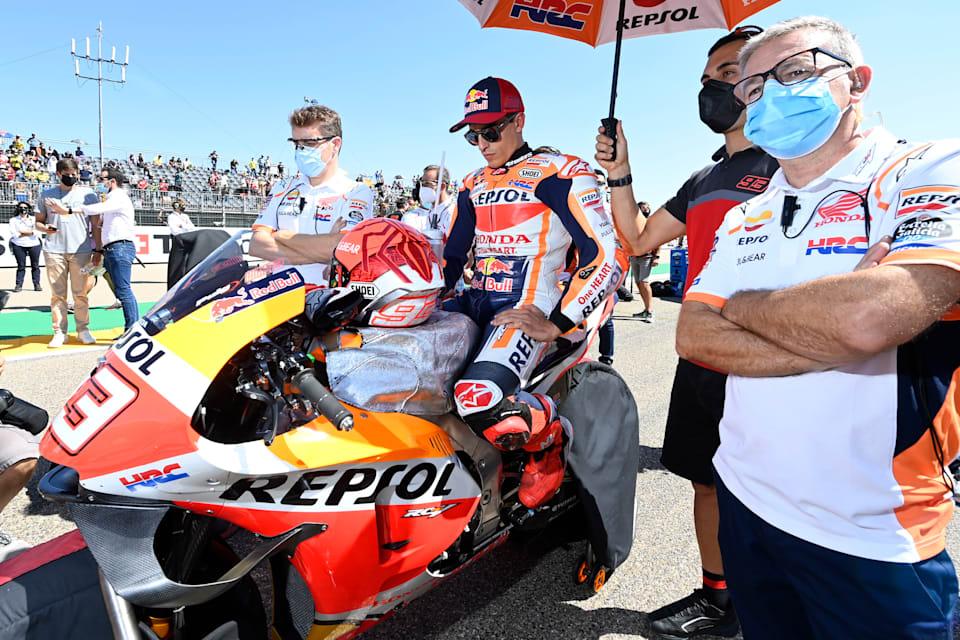 Honda'dan Marc Marquez, 2021 Aragón MotoGP™ başlamadan önce gridde.