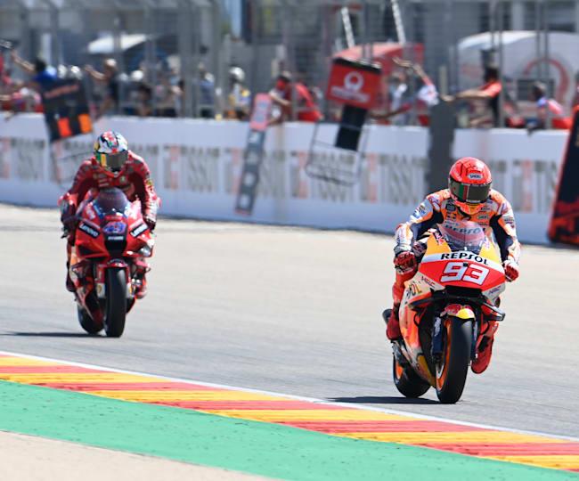 Marc Márquez leading Ducati's Jack Miller in Aragón
