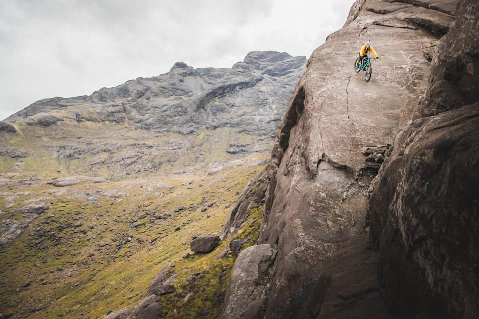Συνήθως στις Πλάκες του Dubh κινούνται ανάποδα αναρριχητές και ορειβάτες