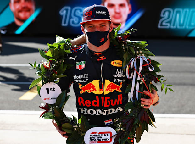 Picking Up His First Placed Wreath