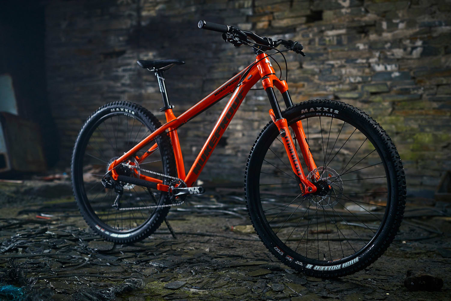Best Mountain Bikes Under 1 000 Check Out The Top 5