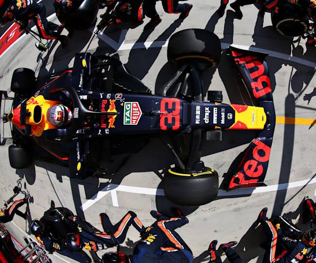 Max Verstappen b boxoch na Hungaroringu