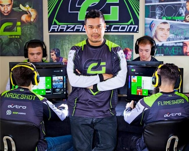 """Hector """"H3CZ"""" Rodriguez at The OpTic House"""