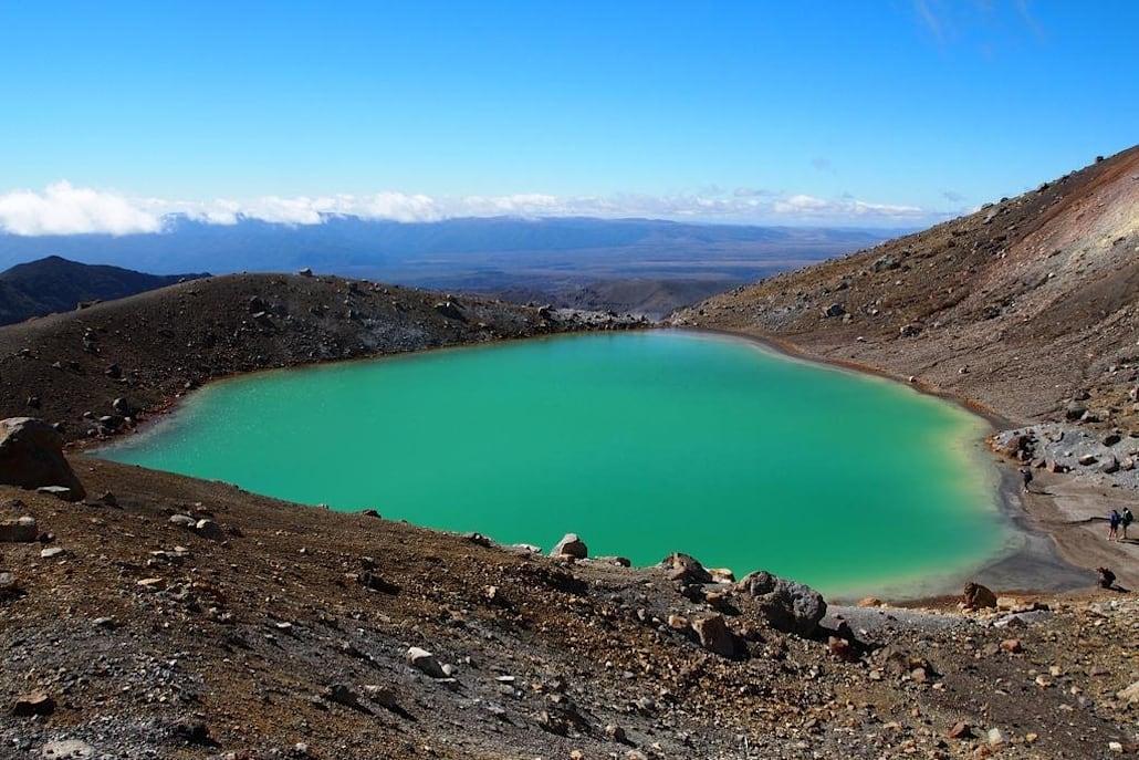 Un lac bleu turquoise en Nouvelle-Zélande