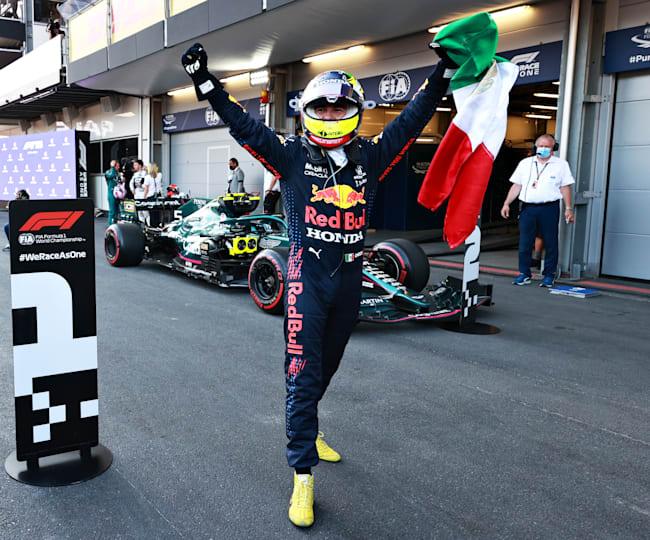 Checo Pérez celebra su victoria