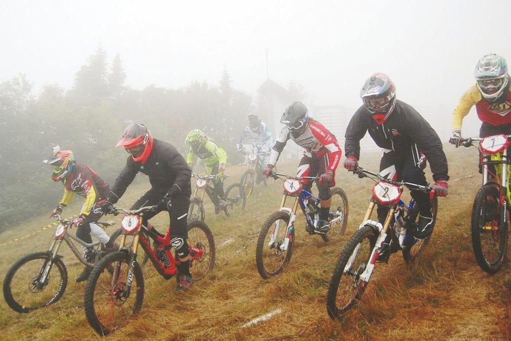 10-Rider Downhill MTB Race - Start