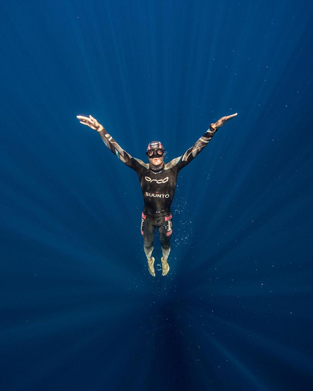 静寂と危険が同居するフリーダイビングの世界