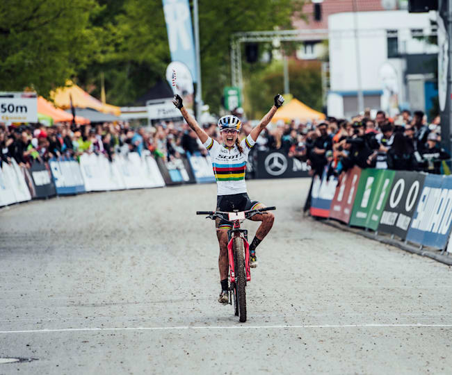 Kate Courtney secured her debut World Cup win at Albstadt in 2019