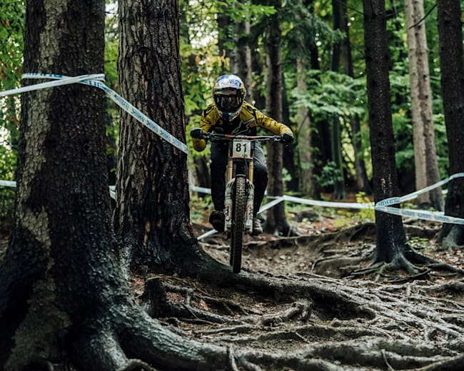 Martin Maes switches to downhill mode