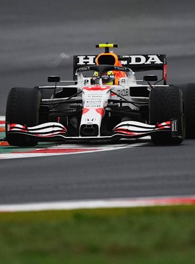 Sergio Perez precede Lewis Hamilton in Turchia