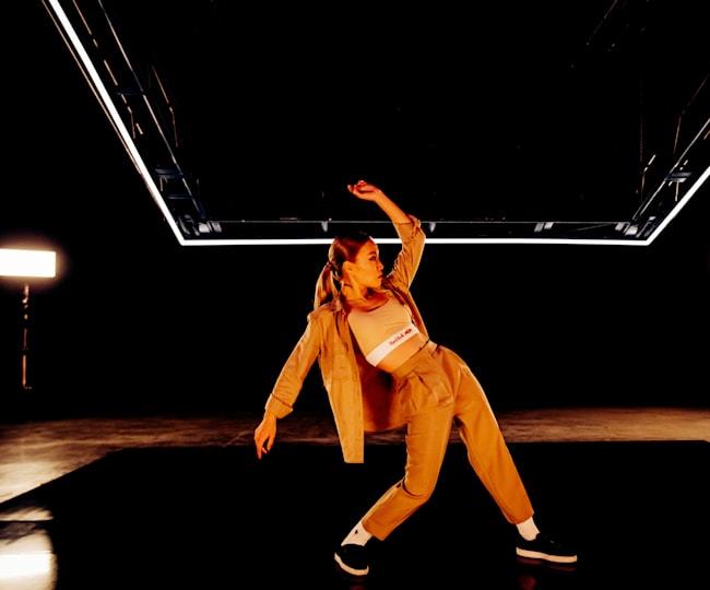 """""""The Floor"""" 속 대시"""