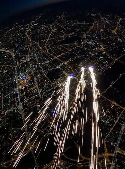 Red Bull Skydive Team w roli Perseidów nad Warszawą