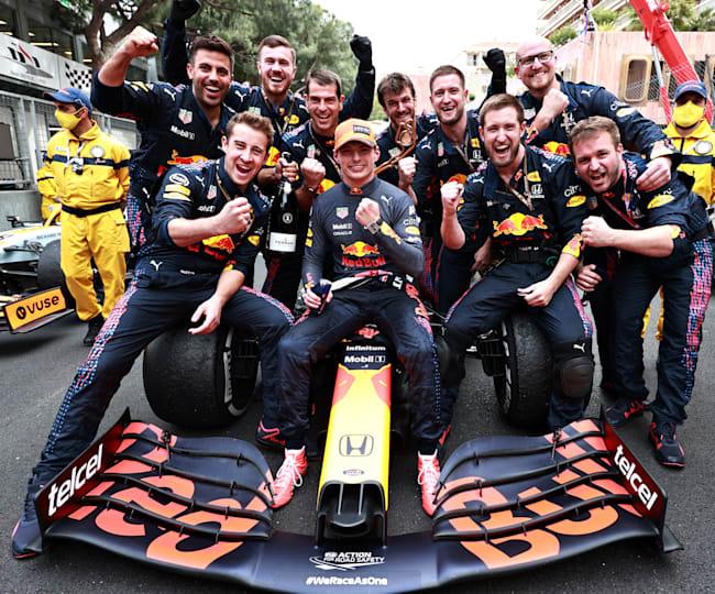 O Max & οι μηχανικοί του είχαν πολλούς λόγους να γιορτάζουν