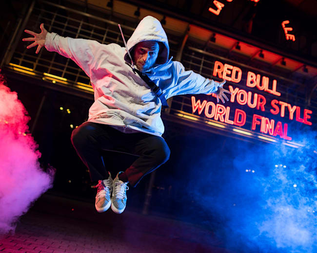 Vitor Fontes na Final Mundial do Red Bull Dance Your Style 2019, em Paris