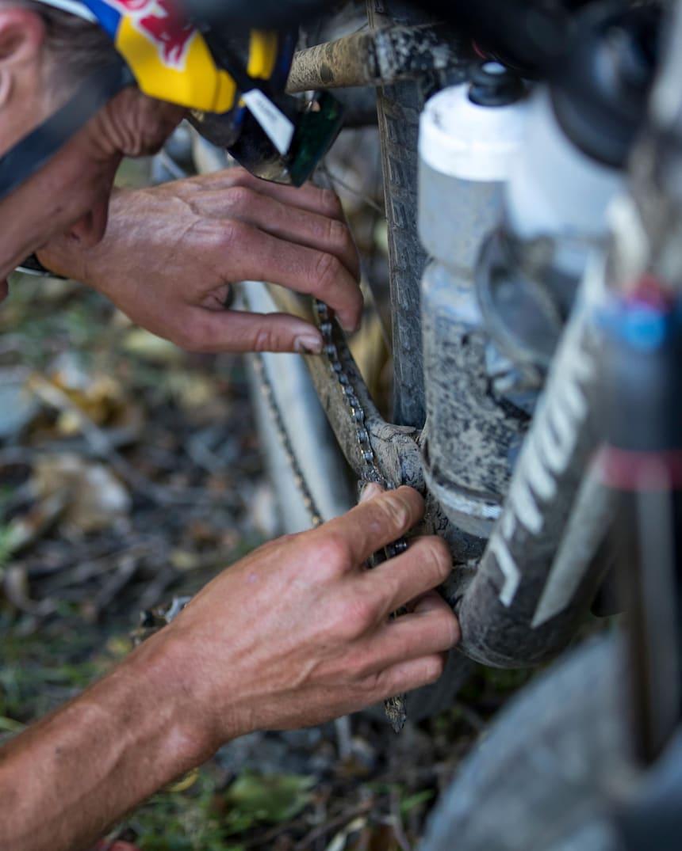 Bike Chain 3rd THIRD HAND TOOL Make chain repair easier