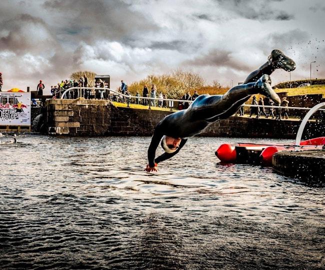 Nager en eau froide fait de vous un meilleur ahtlète