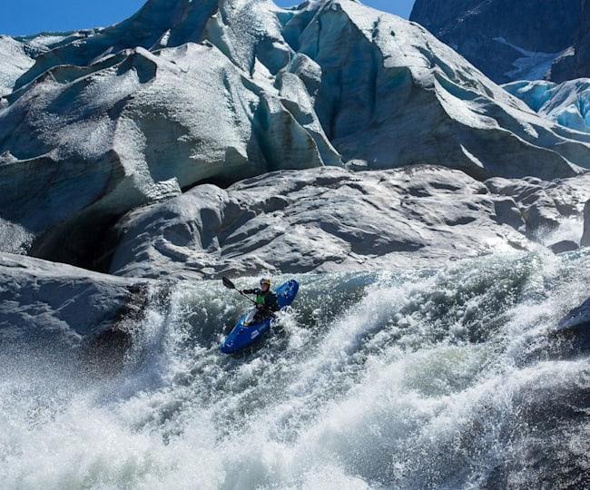 빙하가 녹아 만들어진 강