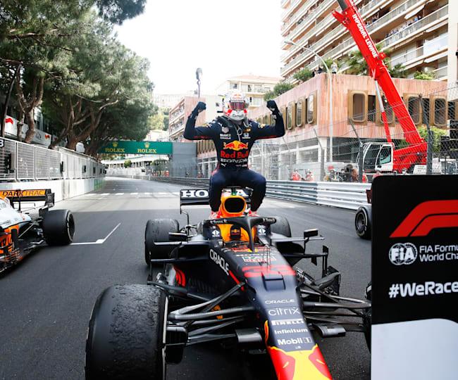 Max Verstappen feiert in Monaco