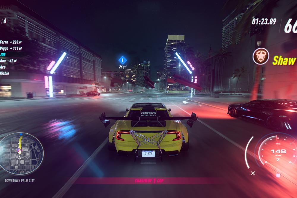 『Need for Speed Heat』の警察もかなりのスピードを誇る