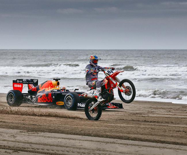 Jeffrey Herlings en Max Verstappen scheuren samen over het strand