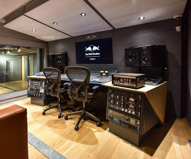 Red Bull Studio Mobile