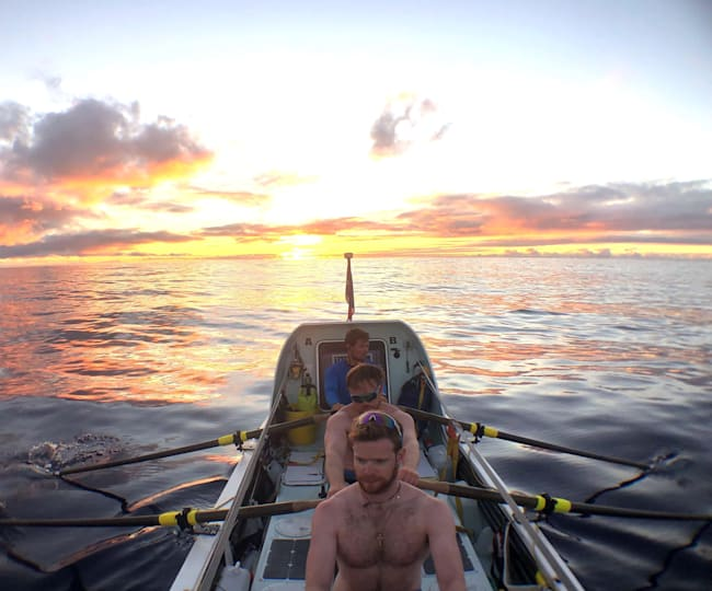 The inexperienced rowers covered some 3000 miles