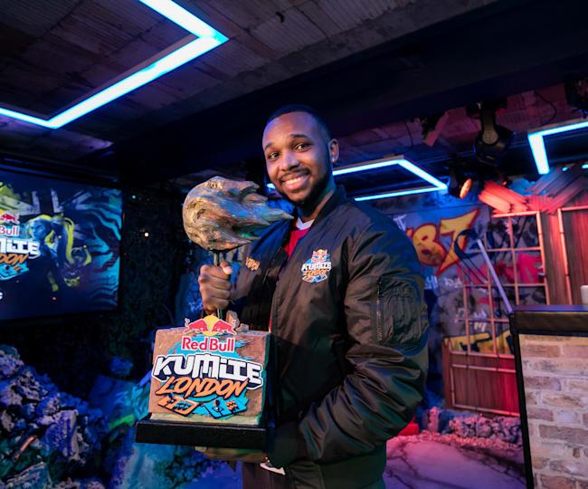 "Der Champion des Red Bull Kumite London: Nathan ""Mister Crimson"" Massol"