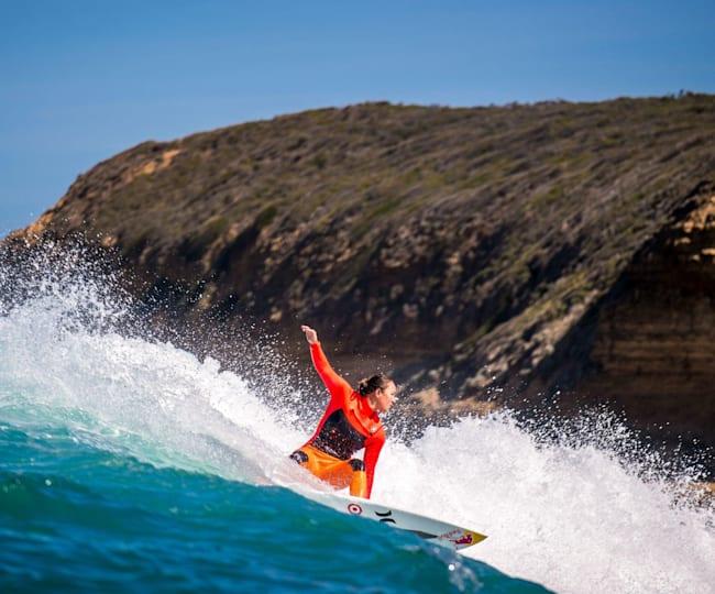 Einzigartige Kulisse, perfekter Surf