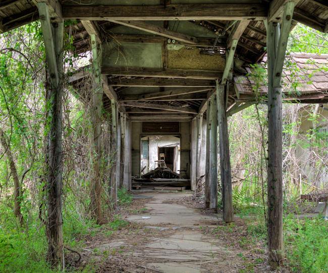 【廃墟アート #1】「衰亡」という名の美学、奥深き廃墟の世界