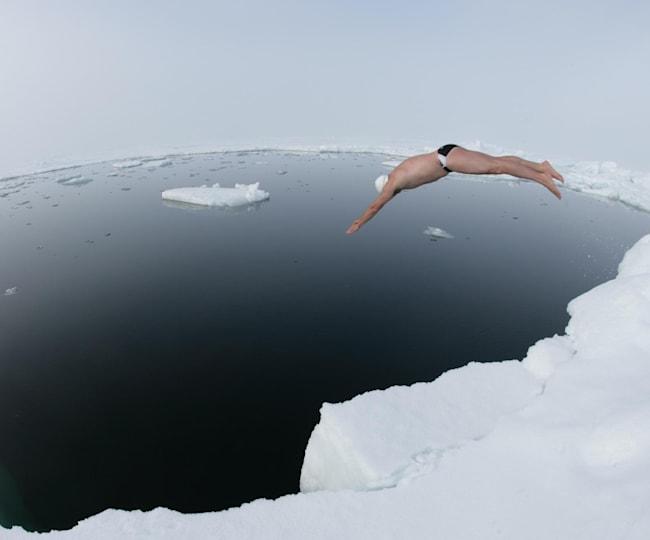 Lewis Pugh se da un chapuzón... en el Polo Norte