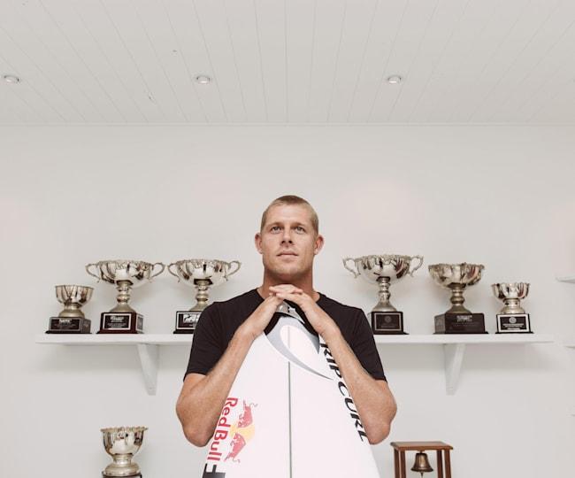 Three-time world champion Mick Fanning retires