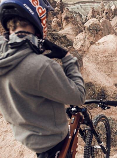 Dawn till Dusk farklı dağ bisikleti disiplinlerini bir araya getiriyor