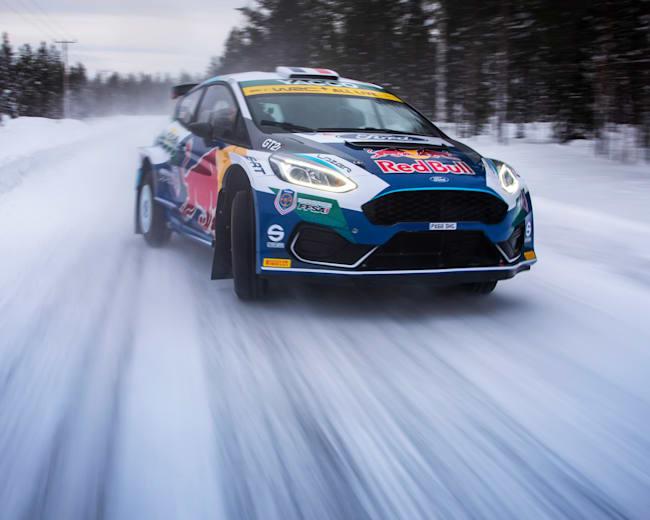 Adrien Fourmaux sur les routes enneigées de Rovaniemi