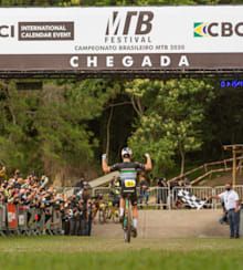 Henrique Avancini conquista seu 15º título nacional de MTB