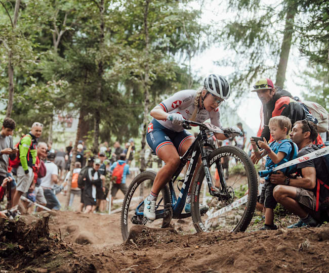 Evie powering to victory at 2021's Val di Sole MTB World Championships