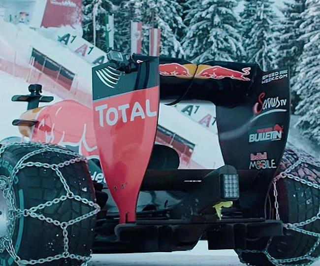 Une voiture de F1 sur la Streif !