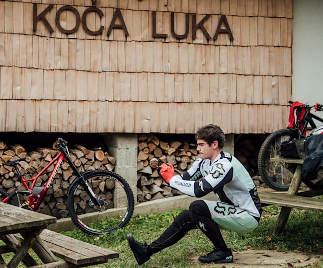 Loïc Bruni avant sa descente à Maribor en Slovénie