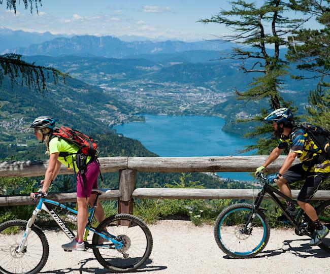 Martina Pattanaro and Eugenio Carugati enjoy Alpe Cimbra's panorama tour