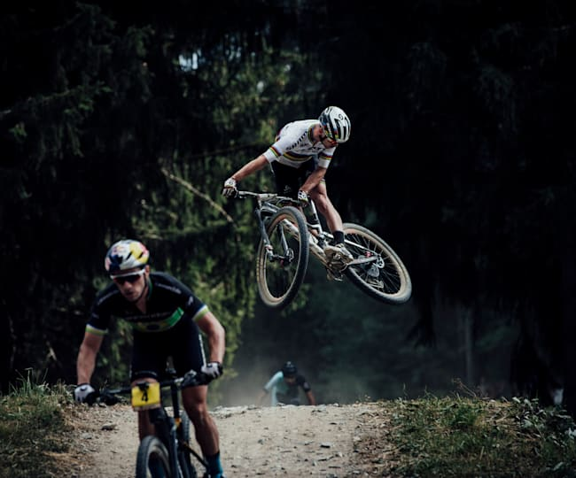 Swiss racer Nino Schurter loves to entertain by throwing in whips