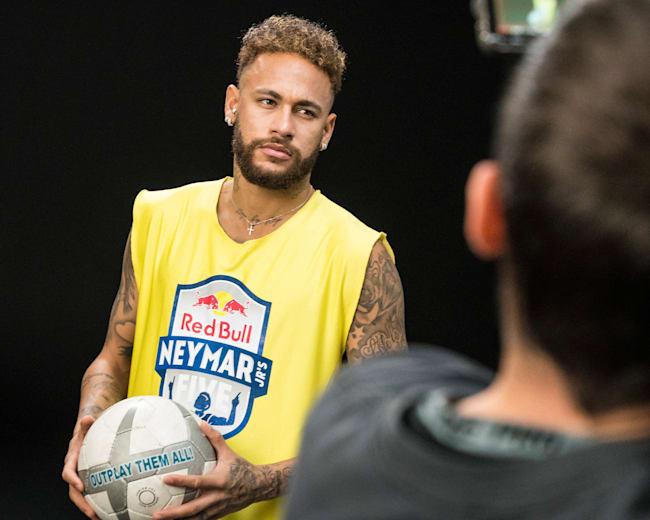 Neymar Jr en interview pour le lancement du Red Bull Neymar Jr's Five 2020