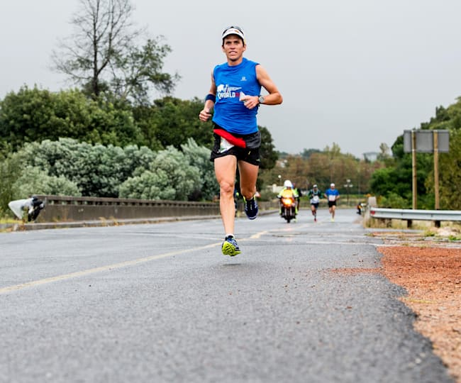 Ryan Sandes sur Wings for Life World Run