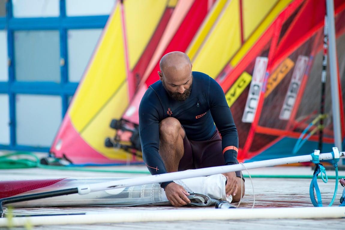 Alaçatı ve sörf denilince akla Apo Hoca gelir