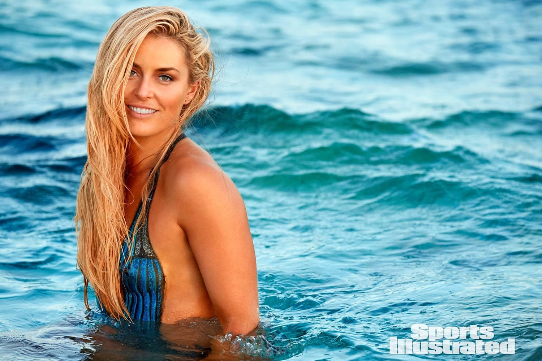 Lindsey vonn topless, cece shake it up naked