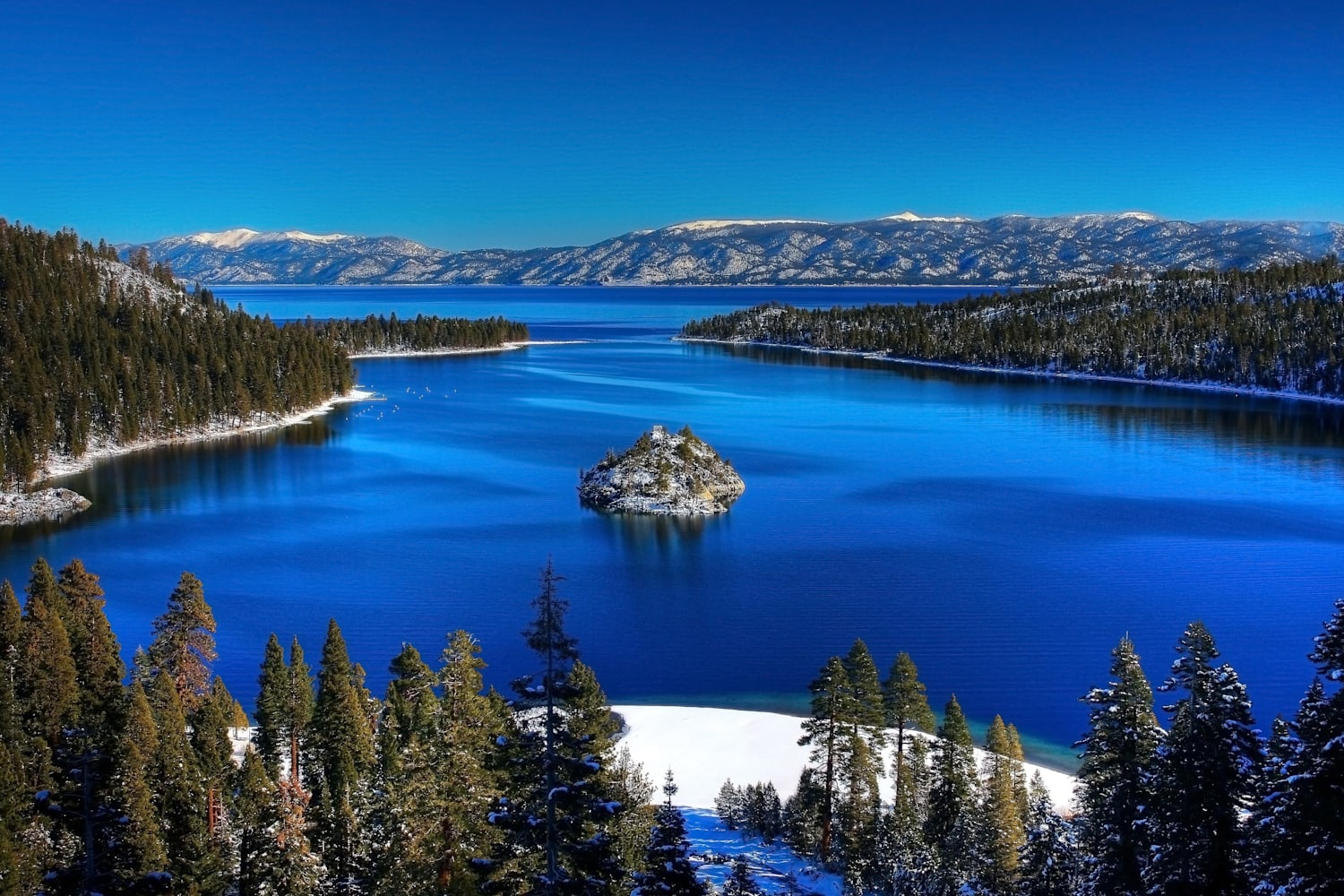 The beauty of Lake Issyk · Kazakhstan travel and tourism blog
