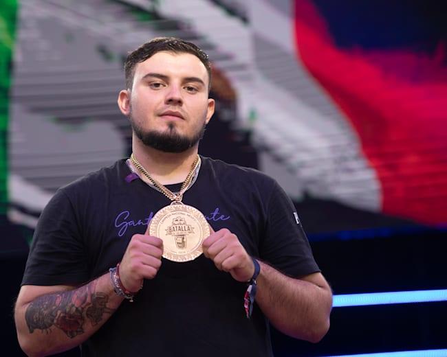 El campeón internacional Rapder